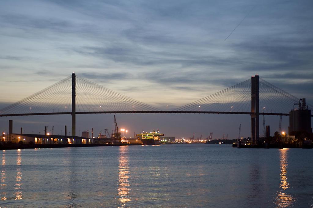 Usa, Georgia, Savannah, Savannah River : Stock Photo