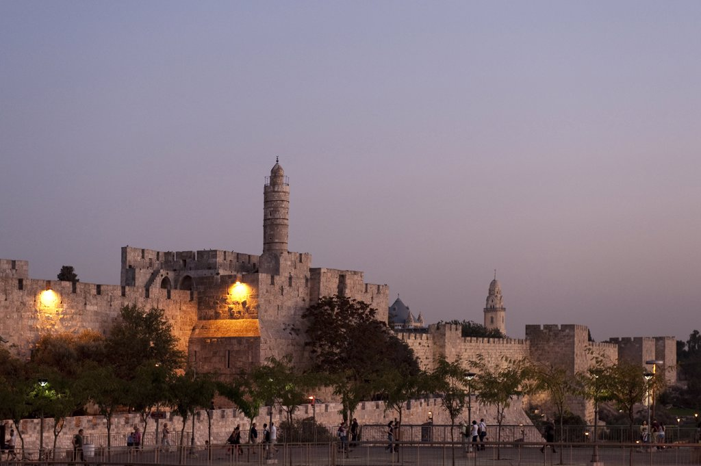 Stock Photo: 4292-64374 Israel, Jerusalem, David citadel at dusk