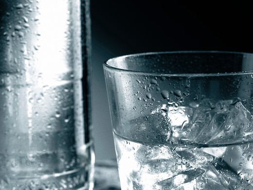 Stock Photo: 4292-68901 Glass of water with ice