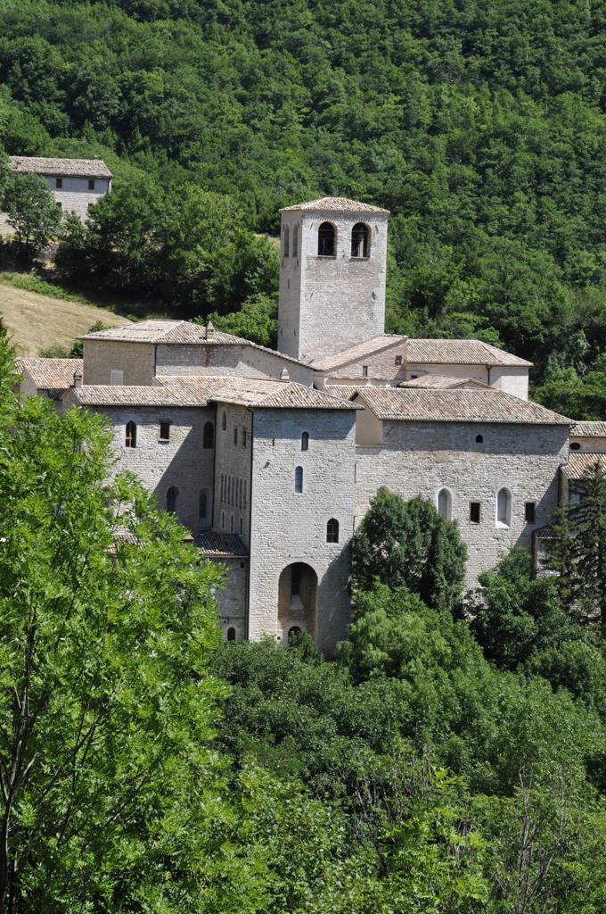 Stock Photo: 4292-78972 Italy, Marche, Sassoferrato, Santa Croce dei Conti Abbey