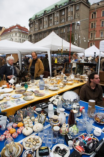 Stock Photo: 4292-79417 Austria, Vienna, the flea market, Flohmarkt