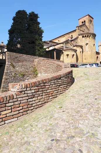 Stock Photo: 4292-8370 Italy, Emilia Romagna, Castell'Arquato, Collegiata Church