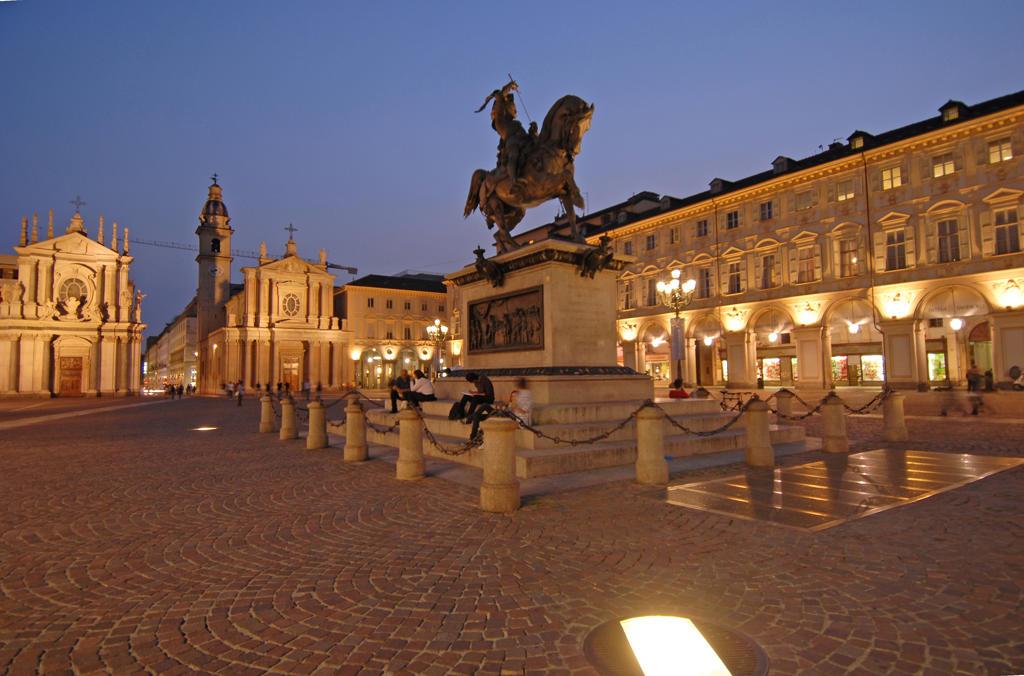 Stock Photo: 4292-8407 Italy, Piedmont, Turin, Piazza San Carlo, Emanuele Filiberto Statute.