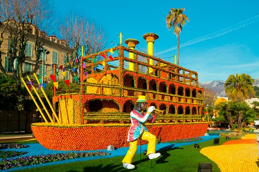 Stock Photo: 4292-84359 France, Menton, Celebrating the Lemon Festival During the Carnival. period