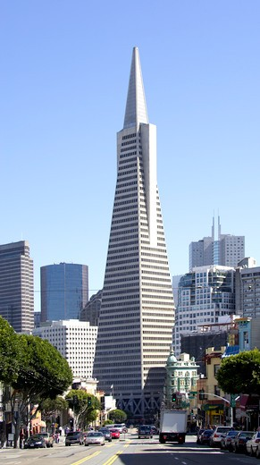 USA, California, San Francisco. The Transamerica Pyramid : Stock Photo