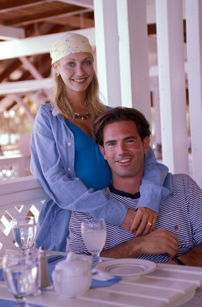Caribbean, couple in resort restaurant : Stock Photo