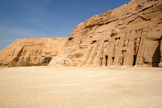 Egypt - Abu Simbel, View of the two temples - In the foreground, the Temple of Nefertari dedicated to Hathor, and in the background the Temple of Ramesses II : Stock Photo