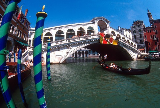 Stock Photo: 4292R-149330 Italy, Venice. Rialto bridge on Canal Grande