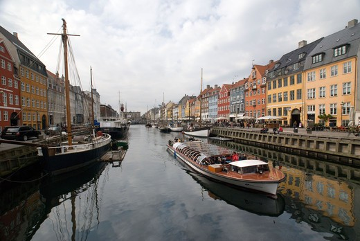 Stock Photo: 43-5445591 Reflection of boats and clouds on water, Nyhavn, Copenhagen, Denmark