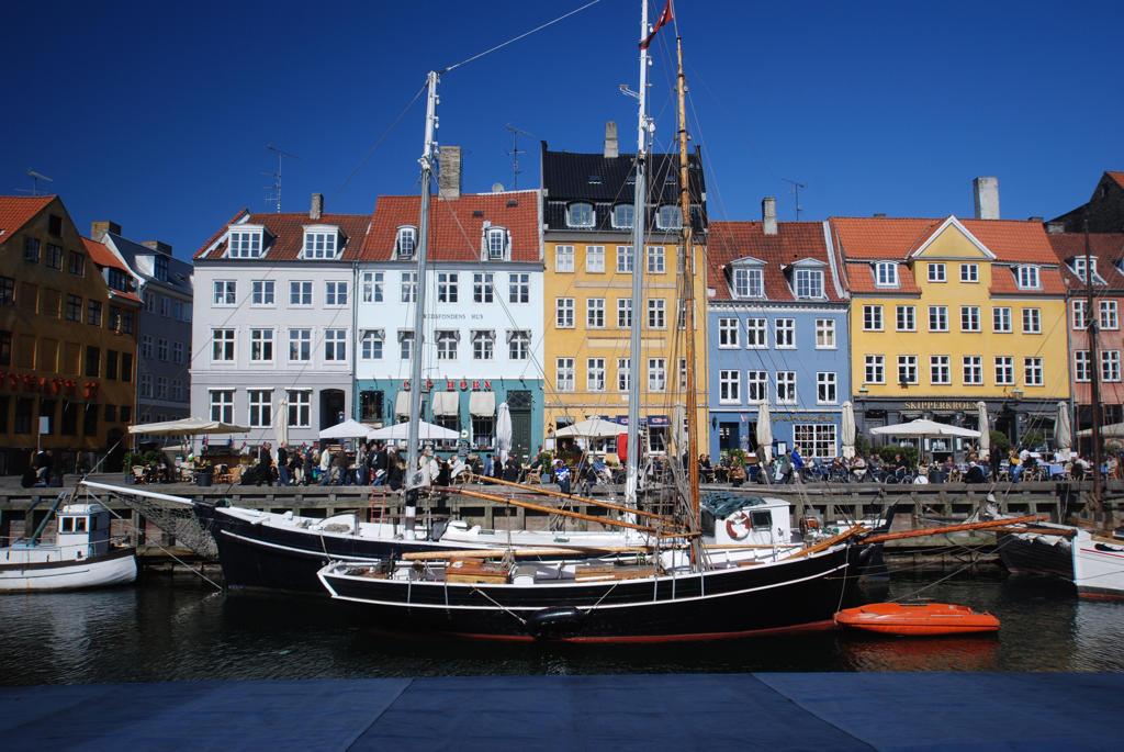 Stock Photo: 43-5445594 Boats in a canal, Nyhavn, Copenhagen, Denmark