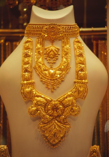 Stock Photo: 4304R-1226 Gold jewelry in a shop in the gold souk in Dubai