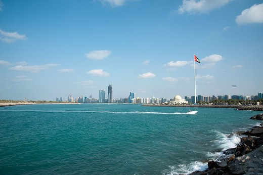 Stock Photo: 4304R-7821 Abu Dhabi city skyline, UAE