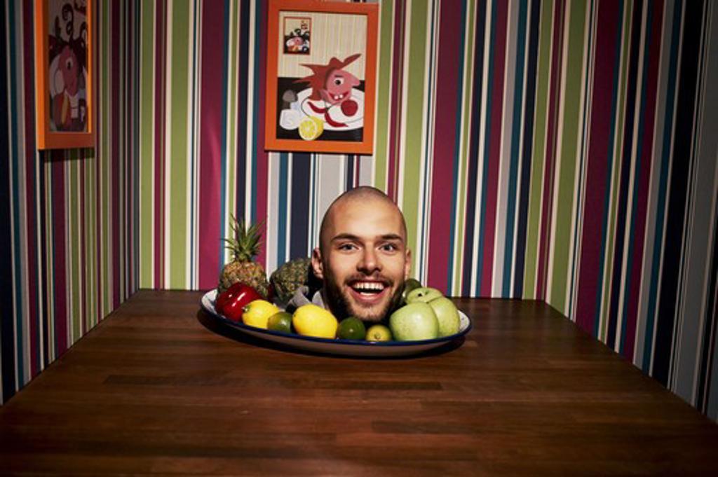 Stock Photo: 4306R-22805 A head on a plate, Poland.