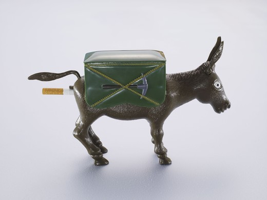 Stock Photo: 4306R-26650 Donkey cigarette dispenser, studio shot