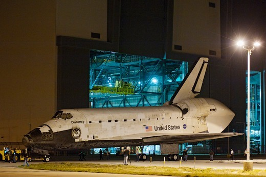 Stock Photo: 4313-1010 Space Shuttle Discovery Prepares For Its Final Flight - To The Smithsonian