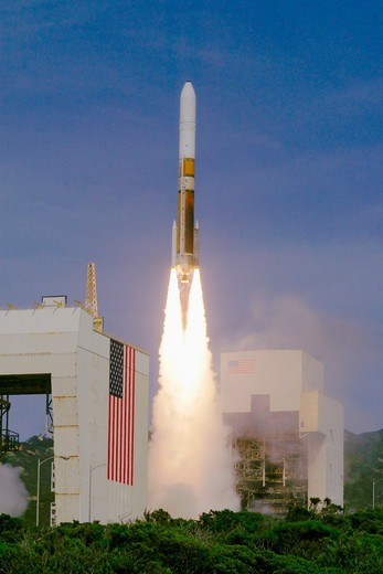 Stock Photo: 4313-1036 Delta IV Launches NRO L-25