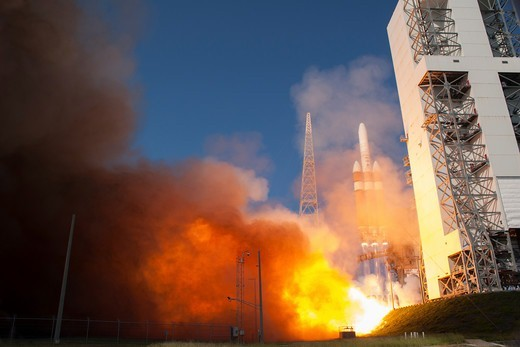Stock Photo: 4313-1309 A Delta IV-Heavy (Delta 4-Heavy) rocket lifts off from Cape Canaveral's Complex 37B with a classified spy satellite for the National Reconnaissance Office (NRO) dubbed NROL-15 on June 29, 2012, at 9:15 a.m. EDT