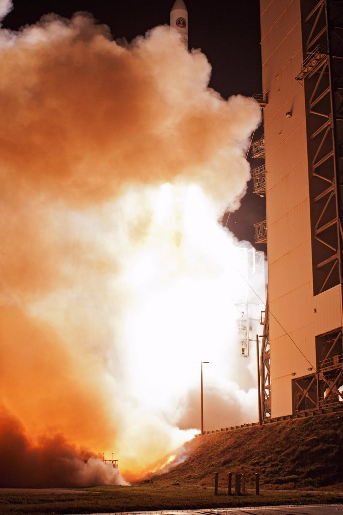 Stock Photo: 4313-878 Delta IV Launches WGS-4 Communications Satellite