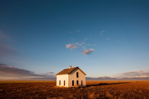 Stock Photo: 4316-1754 Abandoned Farm House in San Luis Valley