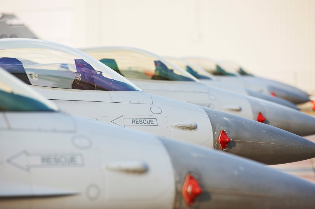 Line of F-16 Jets : Stock Photo