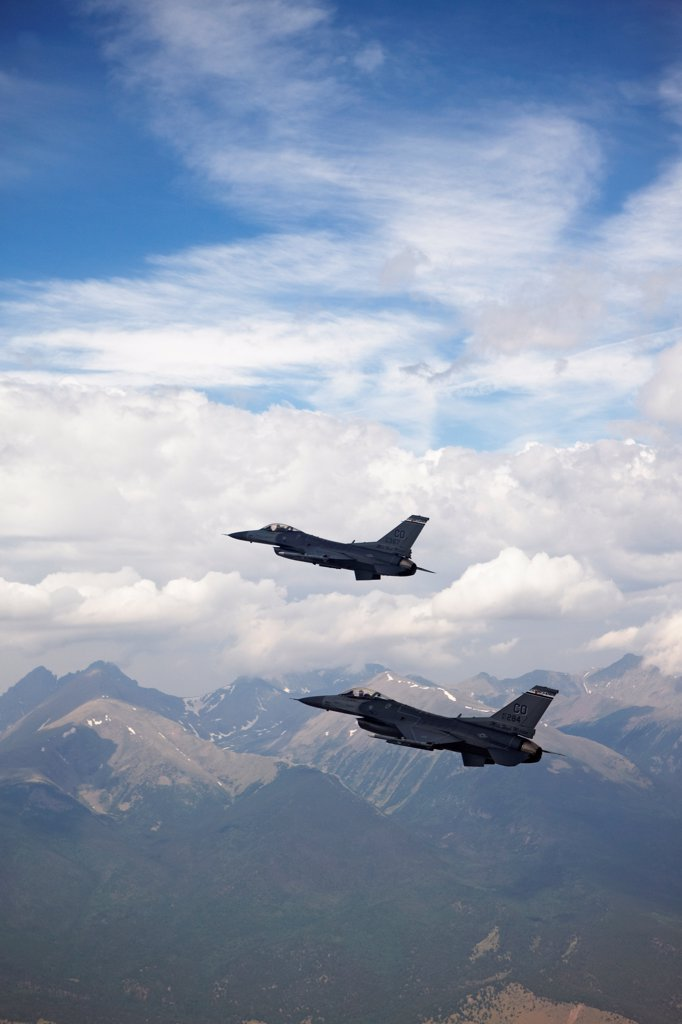 Stock Photo: 4316-4159 Two F-16s in Flight