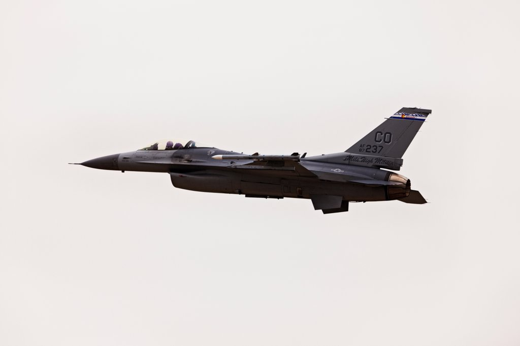 Stock Photo: 4316-4181 F-16 in Flight