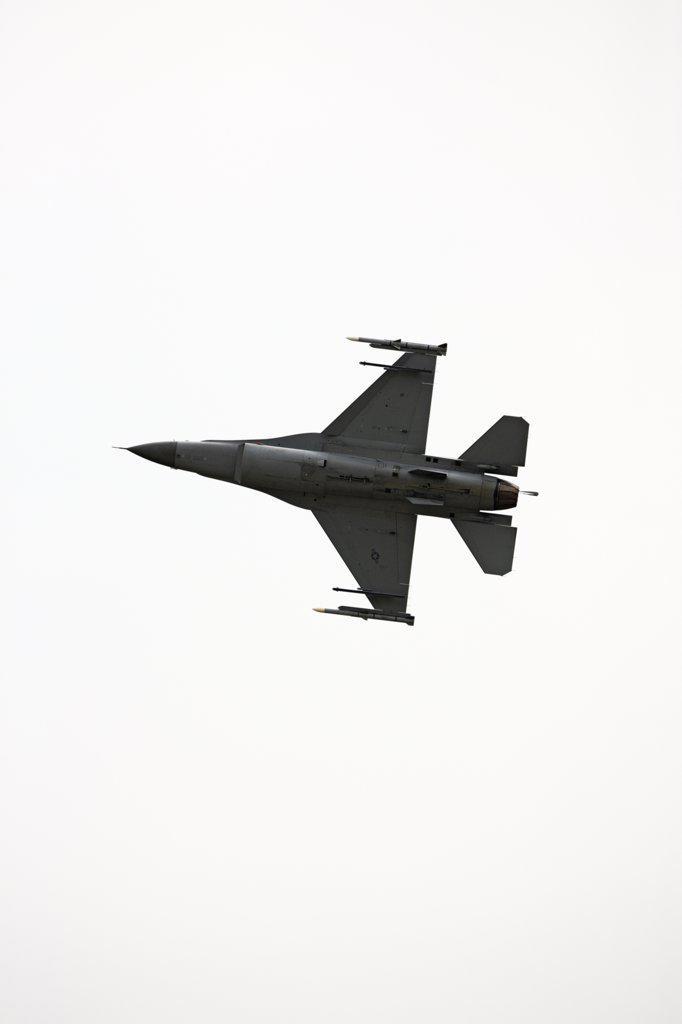F-16 in Flight : Stock Photo