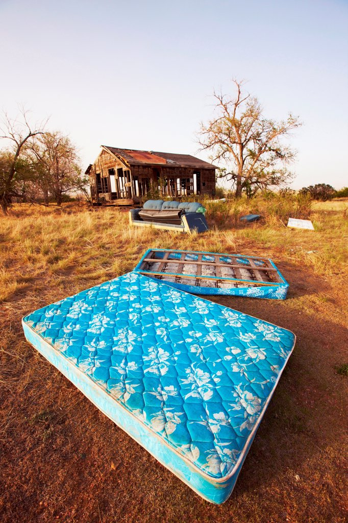 Abandoned mattress at abandoned ranch house, eastern plains of Colorado, USA : Stock Photo