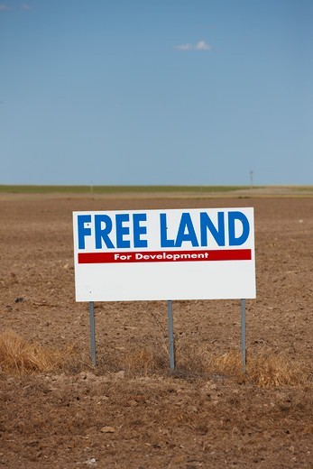 Stock Photo: 4316-4820 Free Land sign, western Kansas