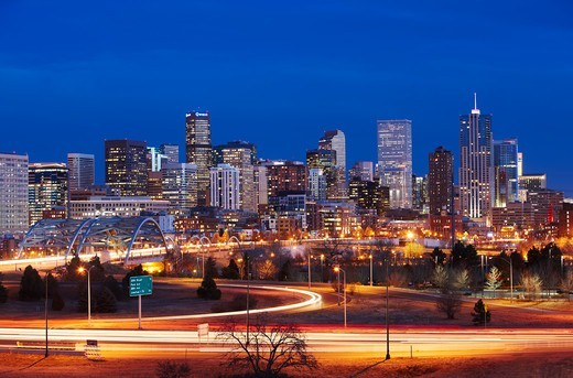 Stock Photo: 4316-4905 Denver, Colorado skyline at night