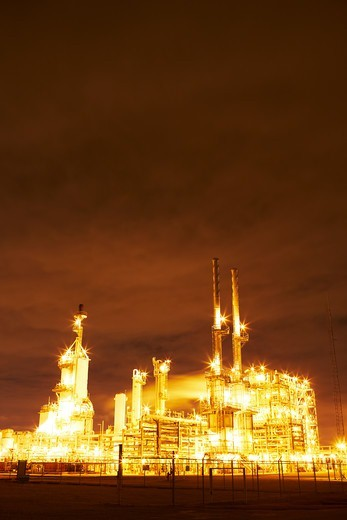 Night view of a petrochemical refinery, Pasadena, Houston, Texas, USA : Stock Photo