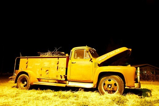 Abandoned fire truck at night, Texas, USA : Stock Photo