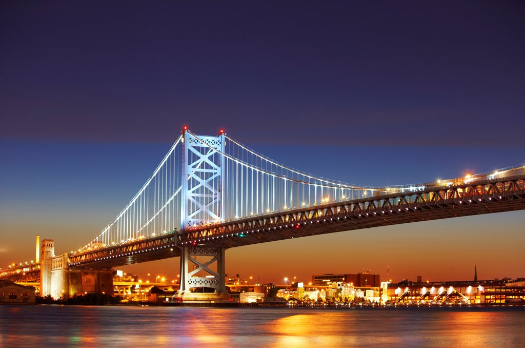 Stock Photo: 4316-5956 USA, Pennsylvania, Philadelphia, Benjamin Franklin Bridge at night over Delaware River