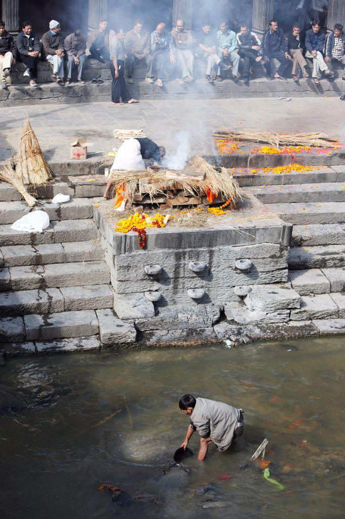 Stock Photo: 4316-6357 Nepal, Himalaya, Kathmandu, Pashupatinath Temple, cremation at riverbank