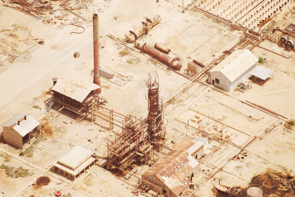 Stock Photo: 4316-6607 Aerial view of abandoned oil refinery, Haditha, Al Anbar Province, Iraq