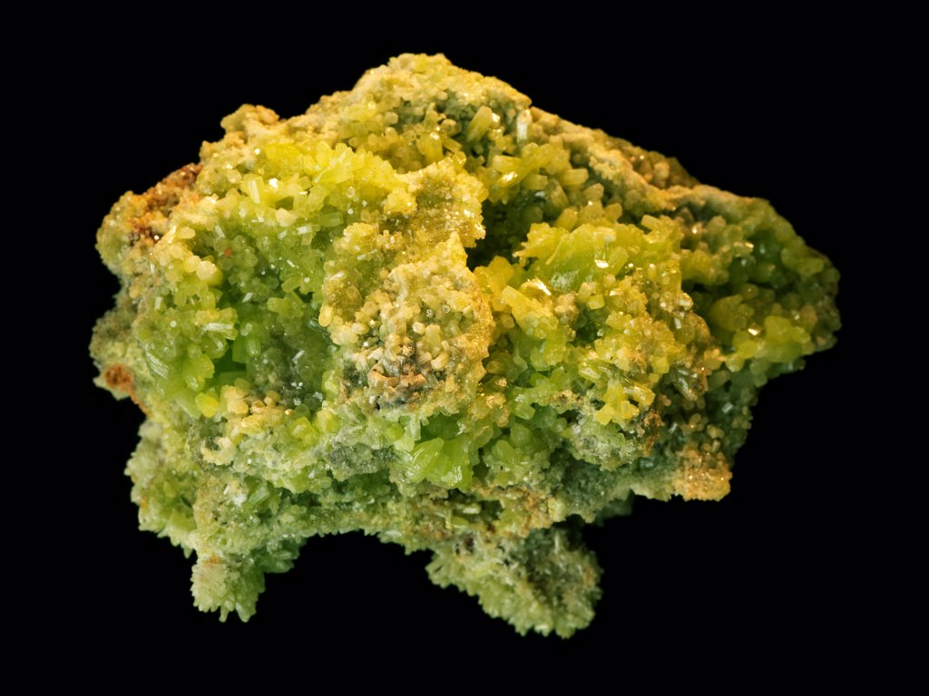 Pyromorphite crystals from the Daoping Mine, Guilin, Guangxi Province, China.  35mmx45mmx15mm : Stock Photo