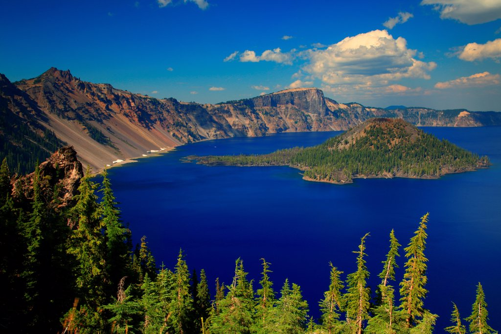 Stock Photo: 4334-1164 USA, Oregon, Elevated view of Crater Lake and Wizzard Island in Crater Lake National Park