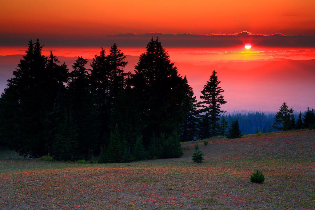 Stock Photo: 4334-1166 USA, Oregon, Sunset at Crater Lake National Park