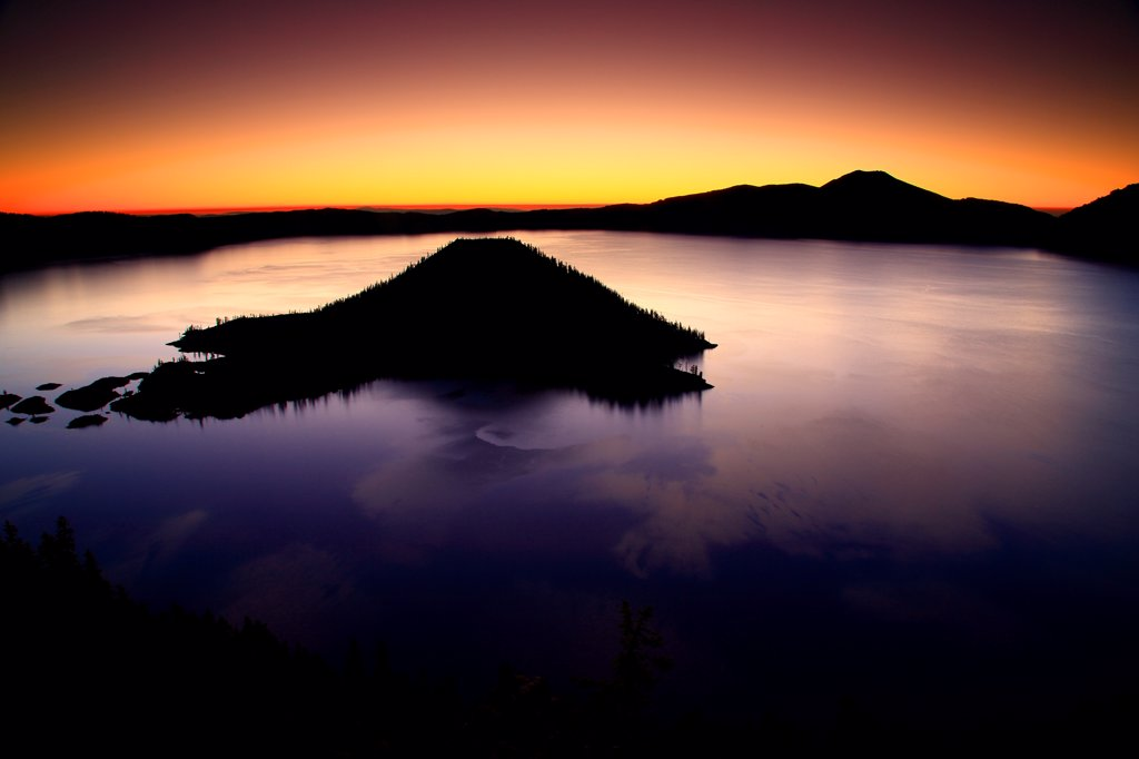 Stock Photo: 4334-1170 USA, Oregon, Sunrise over Crater Lake and Wizzard Island in Crater Lake National Park