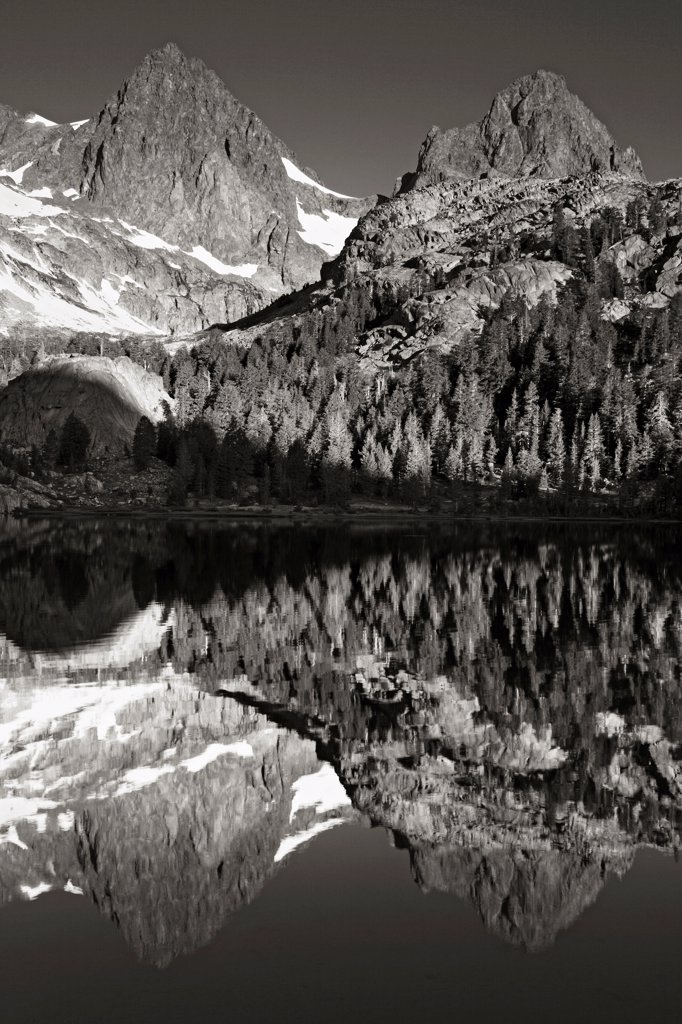 Banner Peak and Mount Ritter reflecting in Ediza Lake in the Ansel Adams Wilderness, California. : Stock Photo