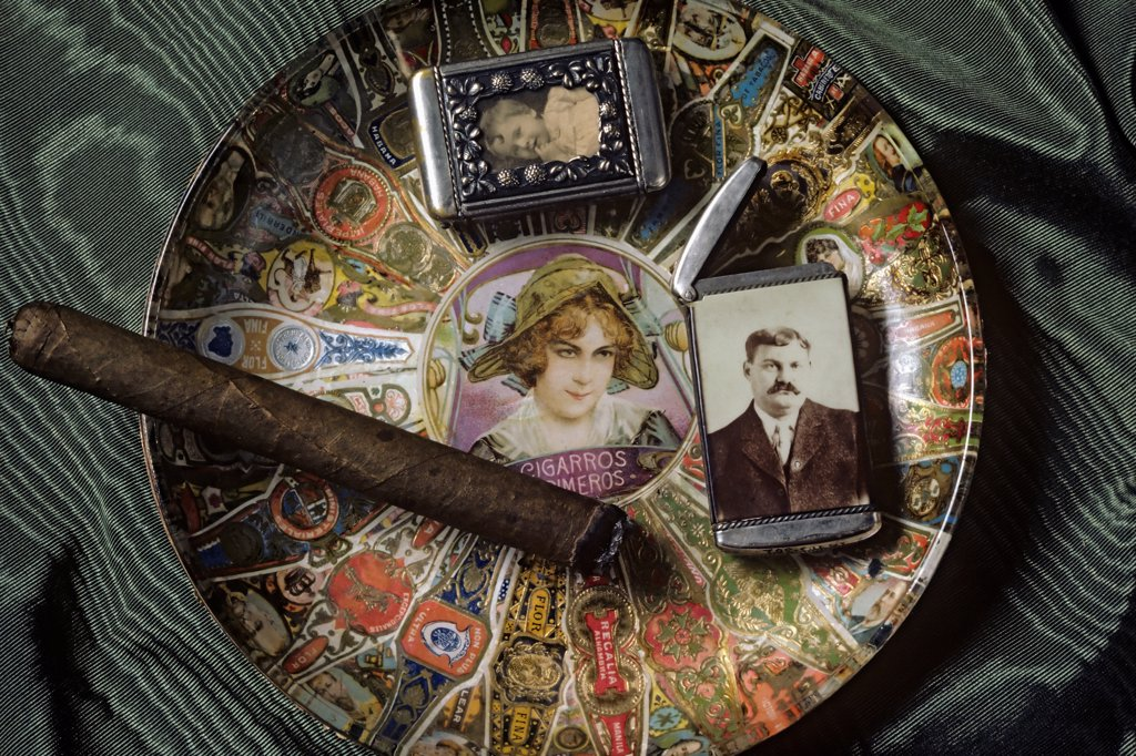 Smoking memorabilia from the Lightner Museum in St. Augustine, Florida. : Stock Photo