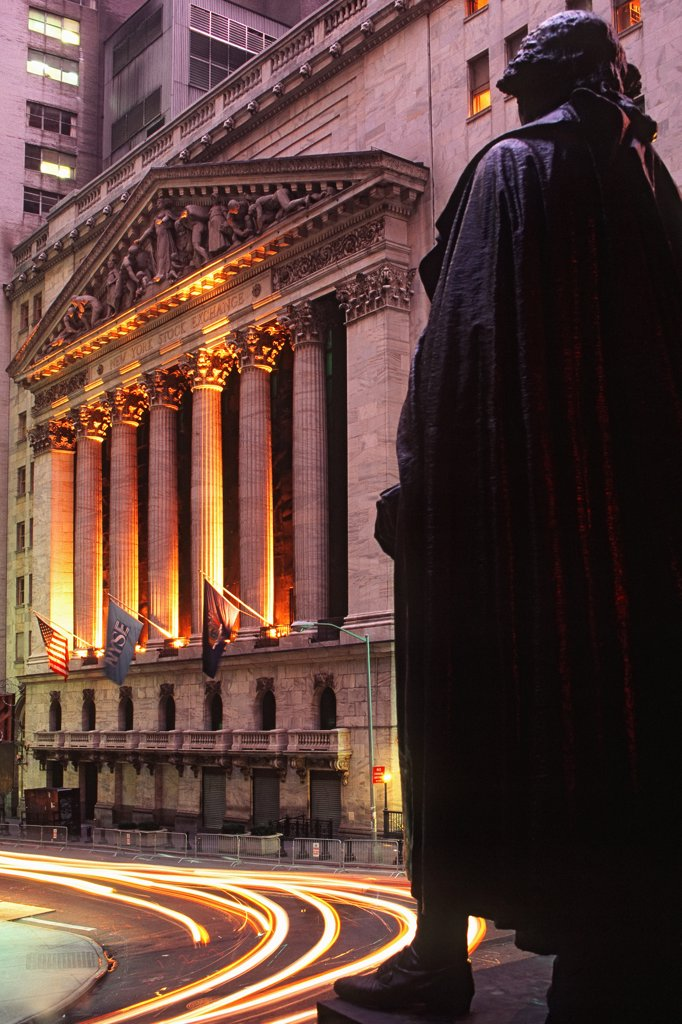 The New York Stock Exchange and the George Washington Statue at Federal Hall, on Wall Street in Lower Manhattan. : Stock Photo