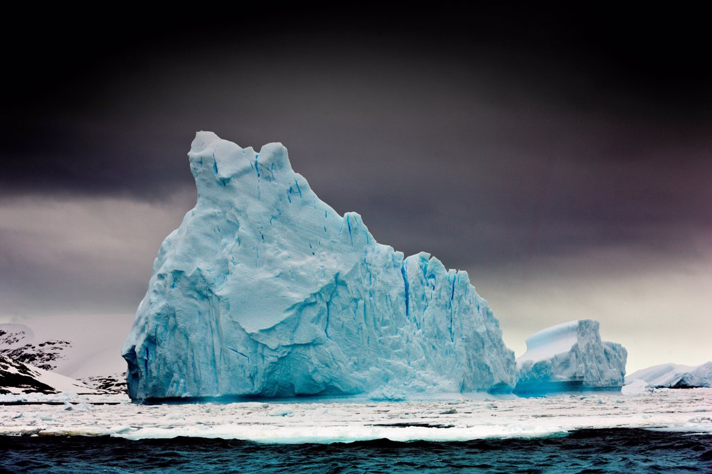 An area known as the Iceberg Graveyard in Antarctica : Stock Photo