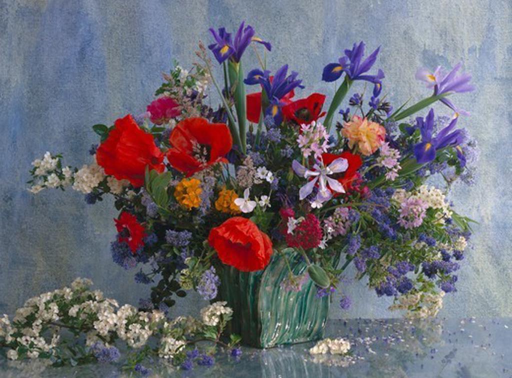 Stock Photo: 4359-834 Flower arrangement, studio shot