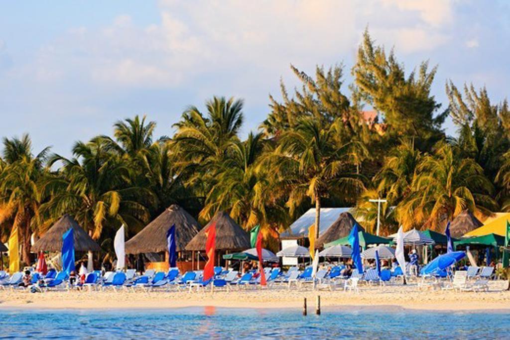 Beach view on Isla Mujeres. : Stock Photo