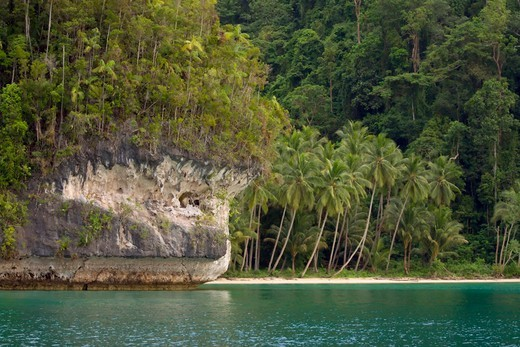 Stock Photo: 4373-1370 Limestone Islands