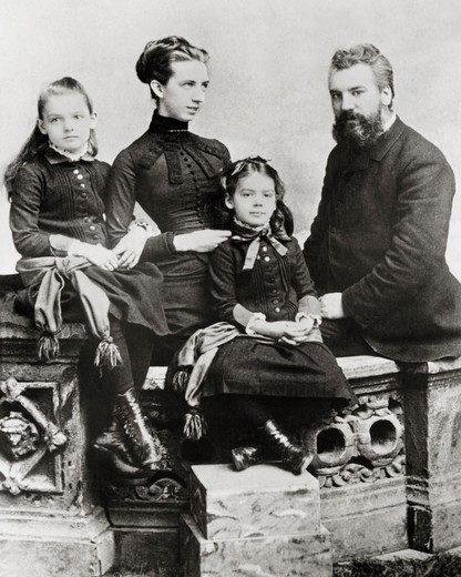 Alexander Graham Bell and Family : Stock Photo