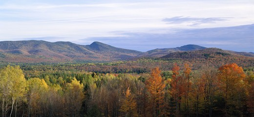 Stock Photo: 4401R-3433 Mountains in fall color at Indian Lake.
