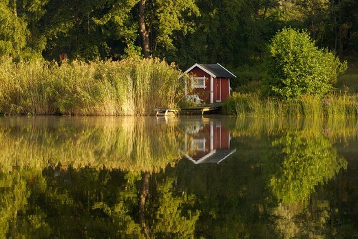 Stock Photo: 4401R-4311 A house by the sea, Sweden.