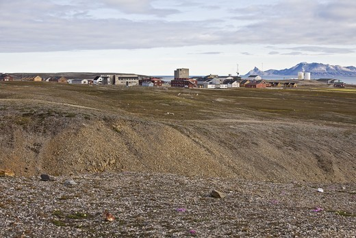 Stock Photo: 4401R-4892 A field station in Svalbard, Norway.